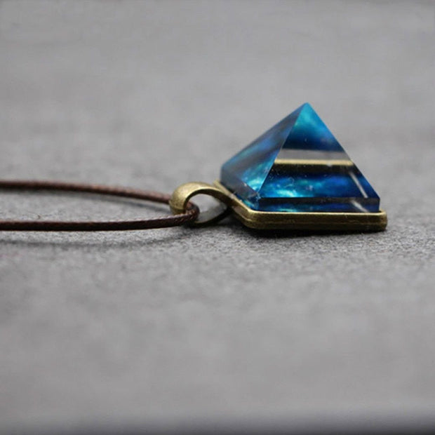 GEOMETRIC LUMINOUS CHARM