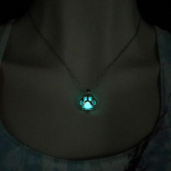 GLOWING PAW PENDANT