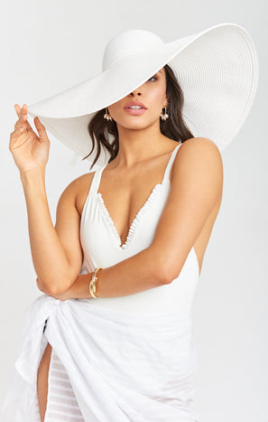 Ultra Wide Brim Straw Hat ~ Ivory