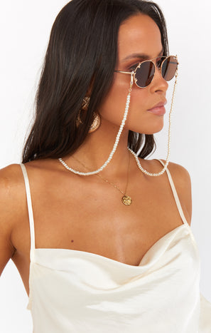 Everley Sunglasses Chain ~ Pearl