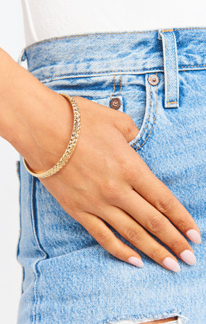 Vanessa Mooney The Finesse Bangle ~ Gold