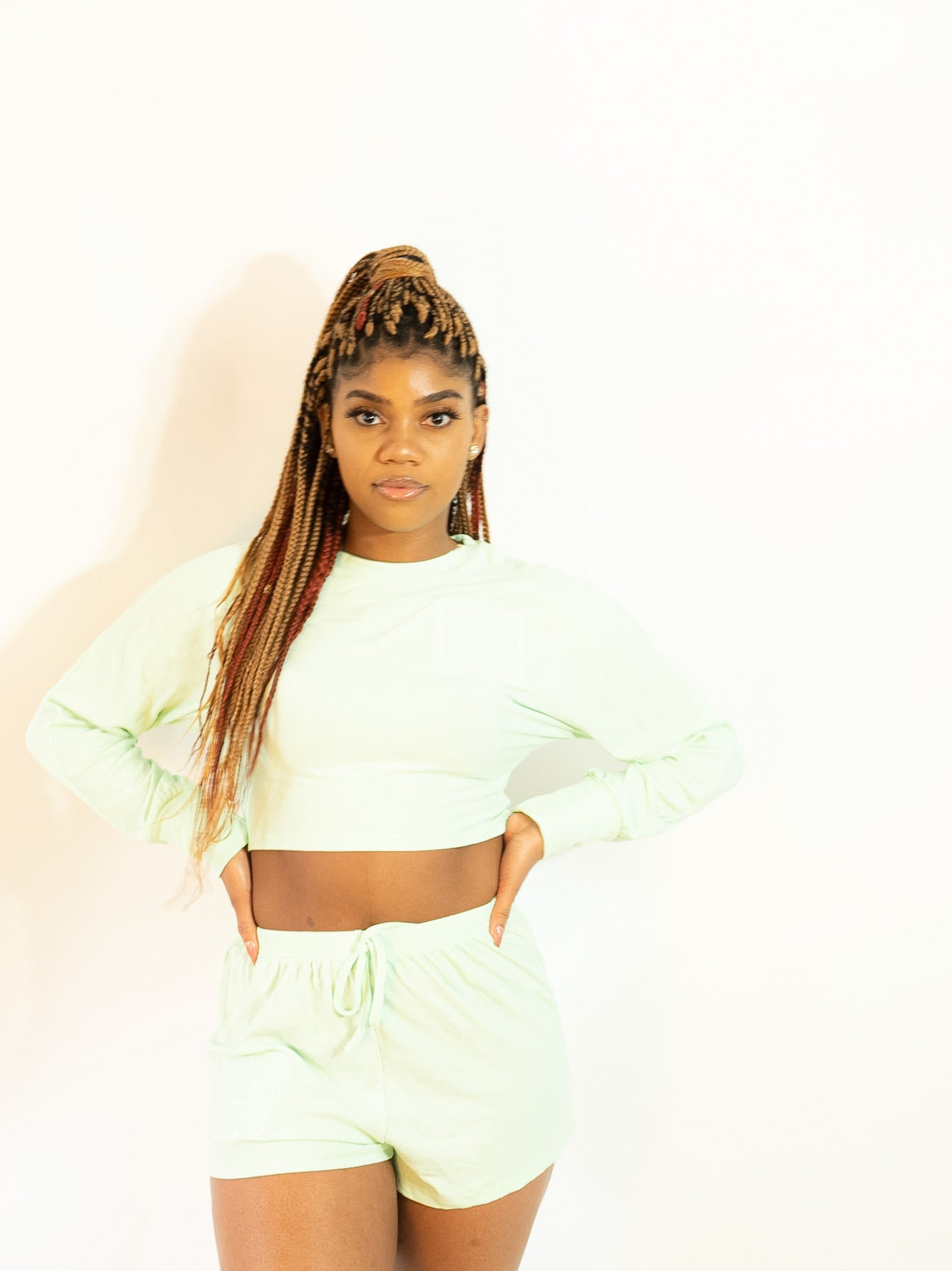 4TC Light green Crop long sleeve & Shorts