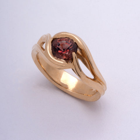 Red Sapphire Ring (Available in 18k yellow gold)