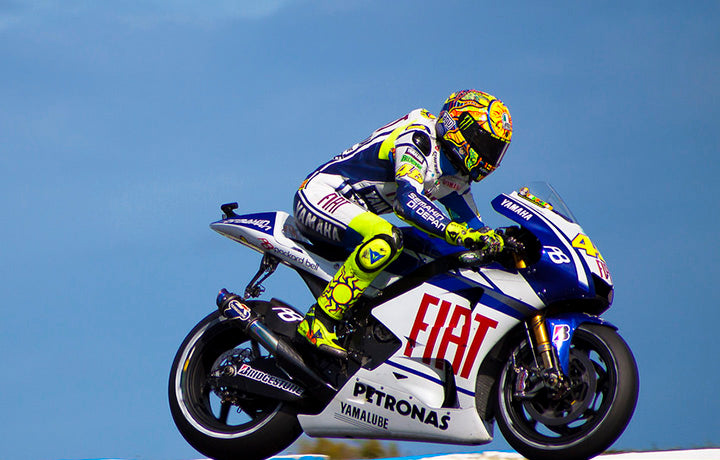 Rossi Returns 18 Days After Suffering a Double Leg Fracture