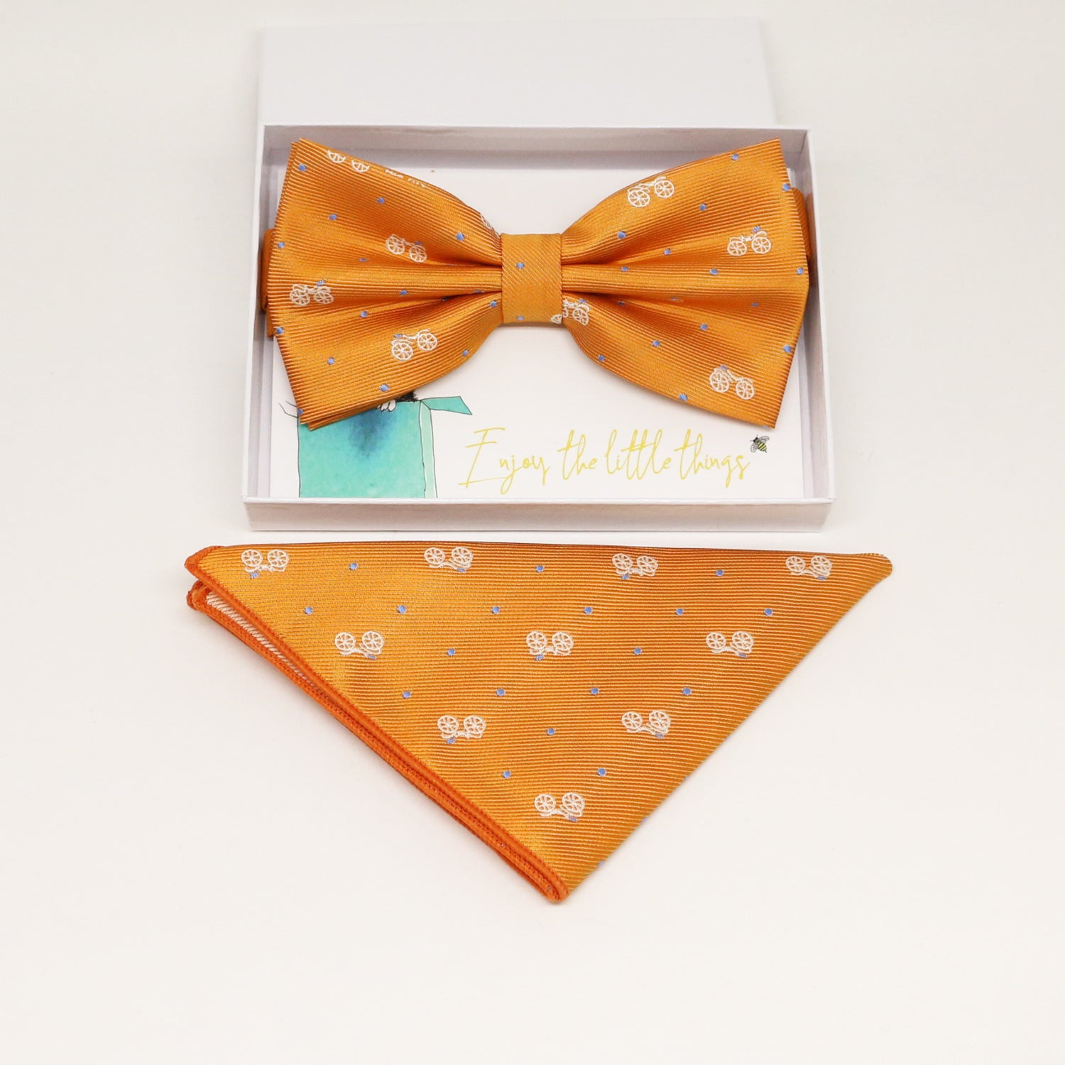 Orange bow tie & Pocket Square, Best man Groomsman Man of honor ring breaer bow, birthday gift, Congrats grad, Orange handkerchief