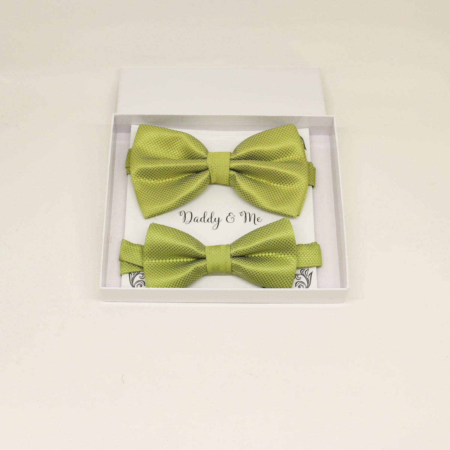 Green Bow tie set for daddy and son, Daddy and me gift set, Grandpa and me, Green Kids Toddler bow tie, Green bow tie set, Grandpa gift