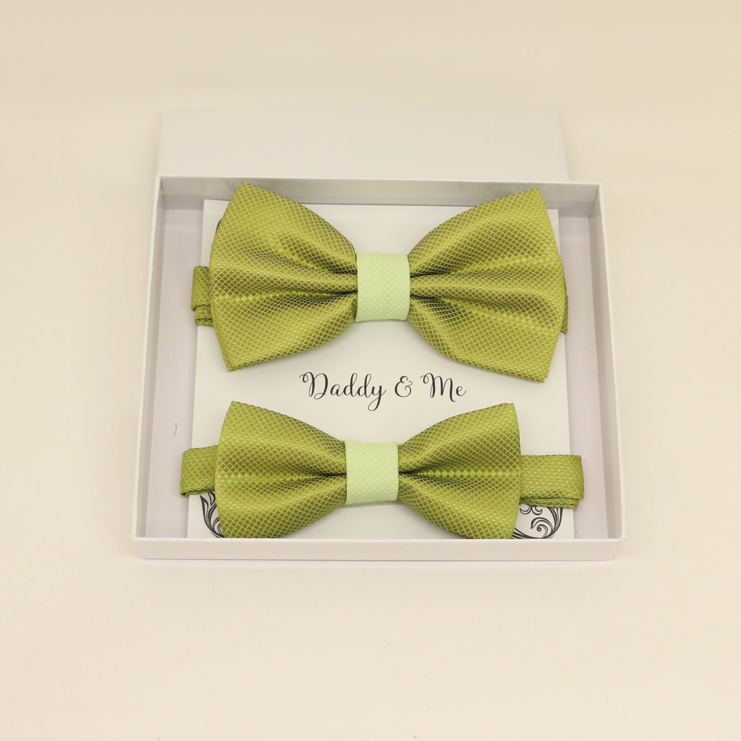 Green Bow tie set for daddy and son, Daddy and me bow tie gift set, Grandpa and me, Green Kids Toddler bow, Green bow tie, Father son match