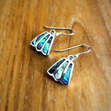 Hanging Bellflower Earrings (Mother of Pearl)