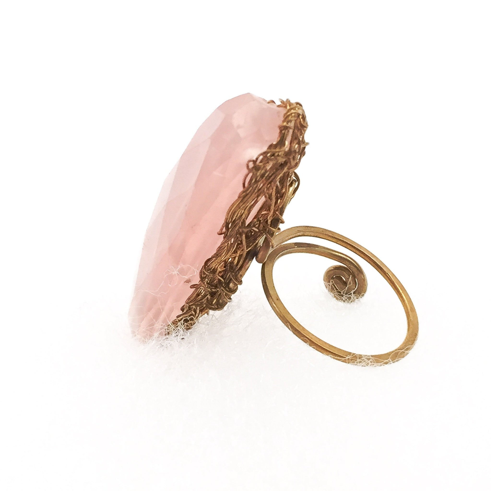 ritratto products ring rose milky quartz with pomellato and diamonds of gold white copy rings