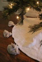 Pom Pom Queen Tree Skirt - Natural