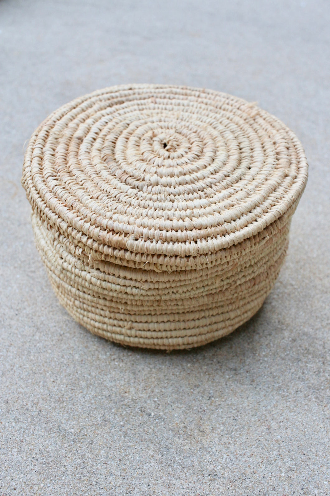 Small Round Lidded Raffia Basket