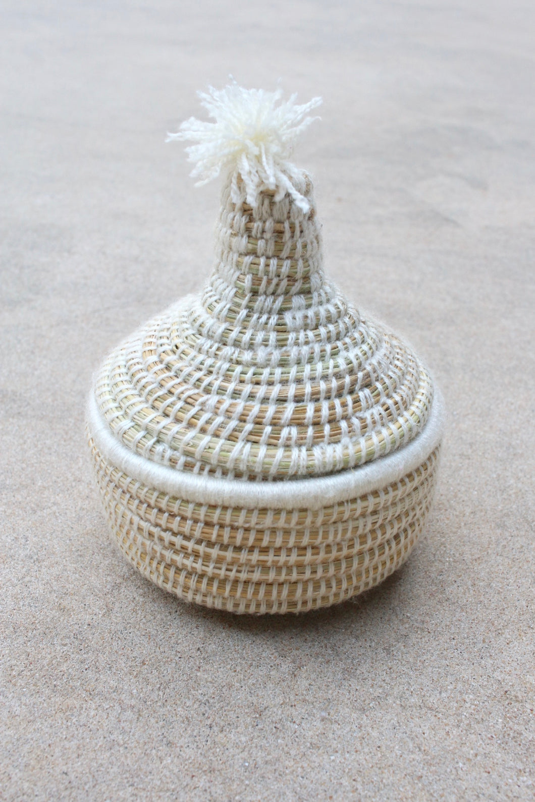 Small Lidded Pom Basket - White
