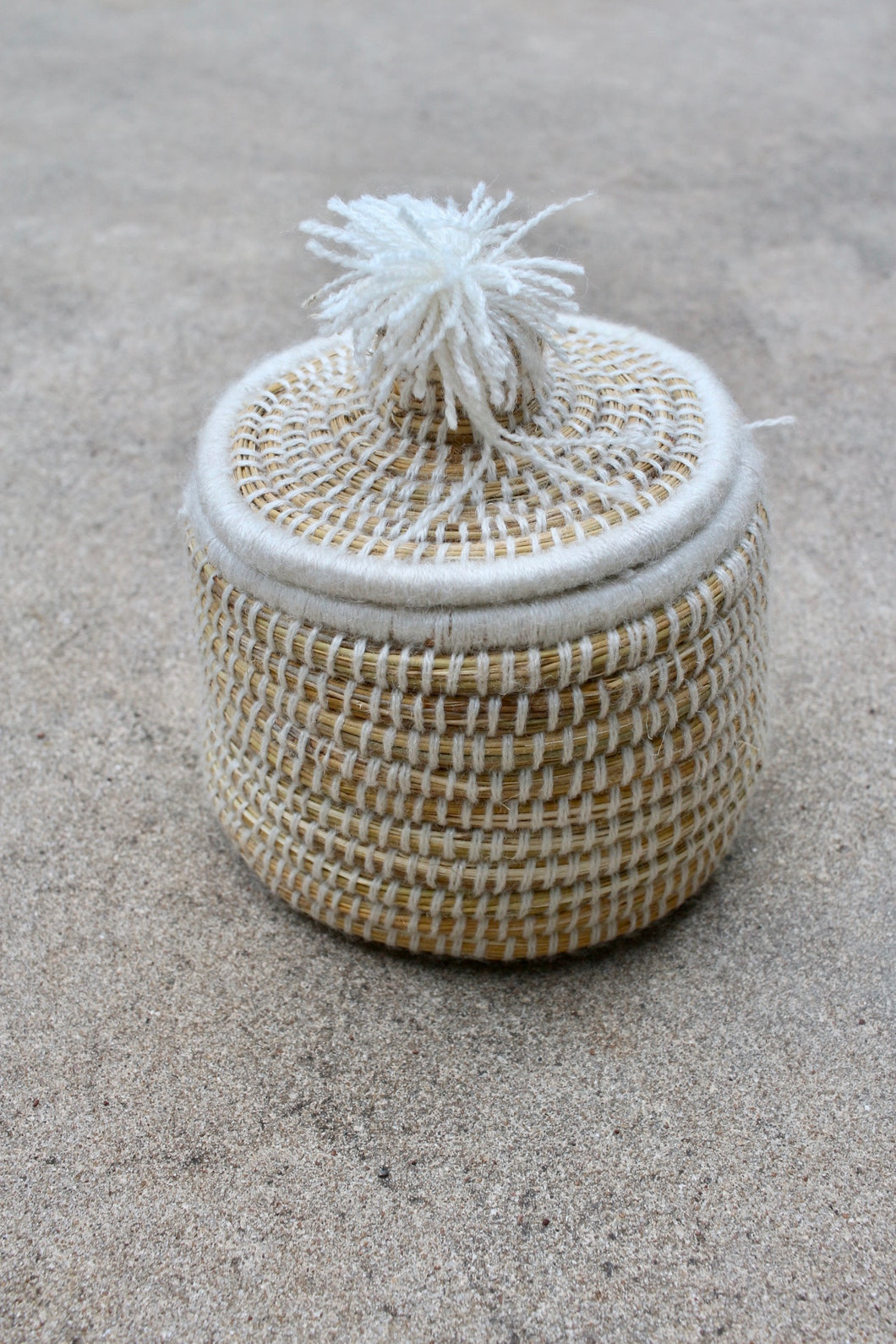 Medium Lidded Pom Pom Basket