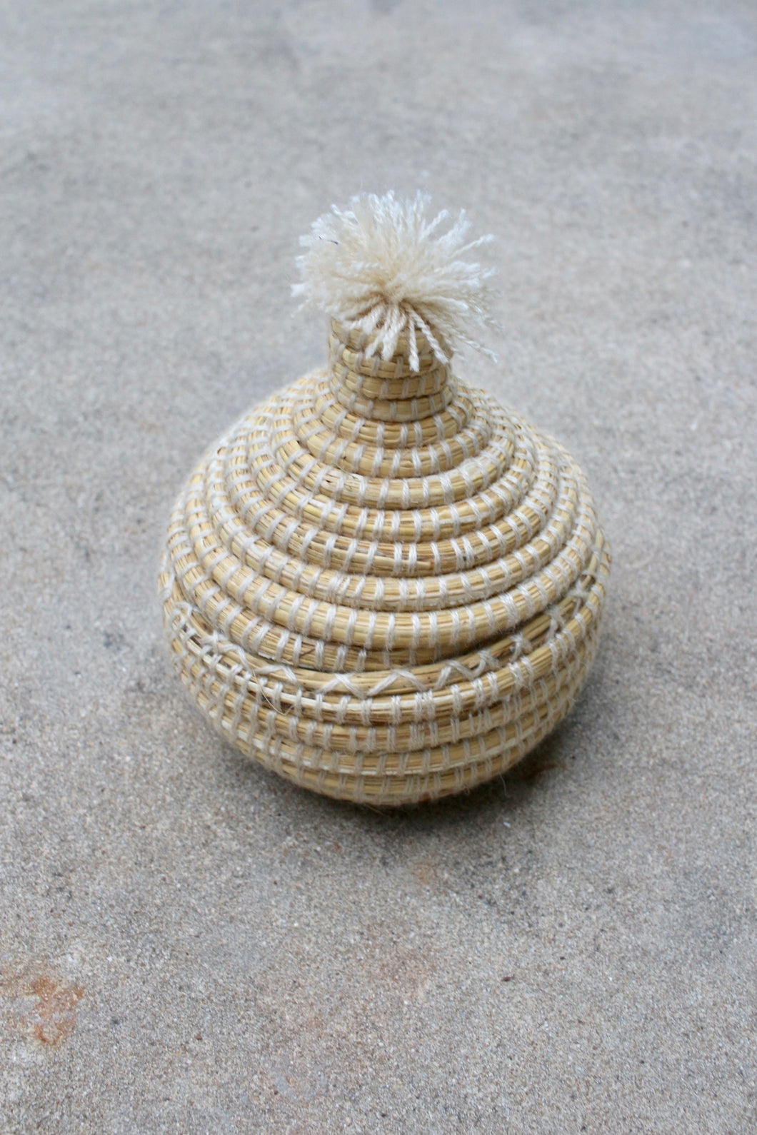 Small Lidded Pom Pom Basket, Natural