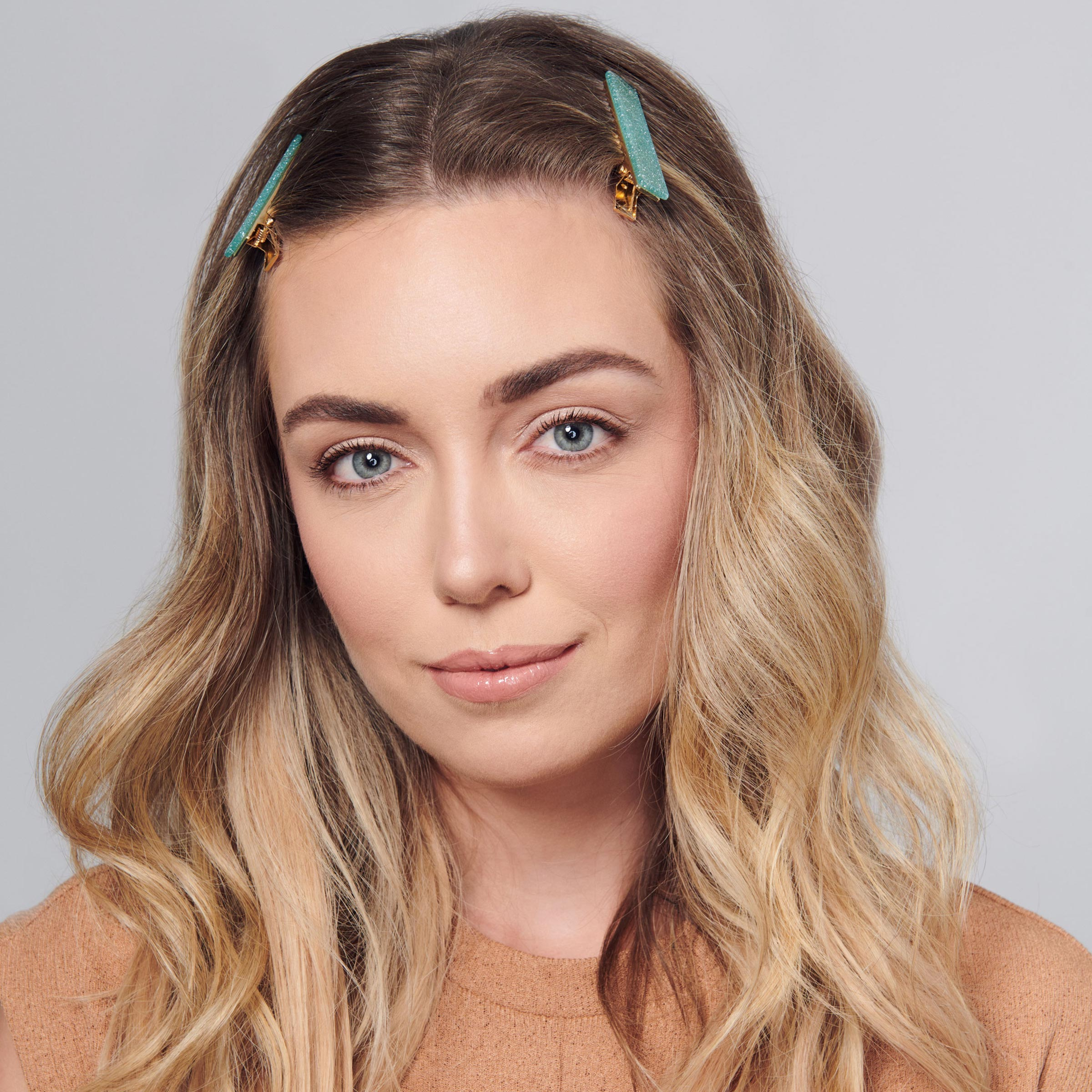 7 Chic And Stylish Ways To Wear Hair Accessories L Ange Hair