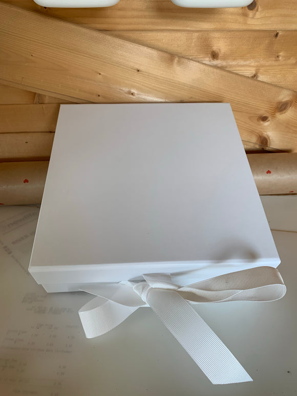 SALE! Personalised Medium Box with fixed ribbon