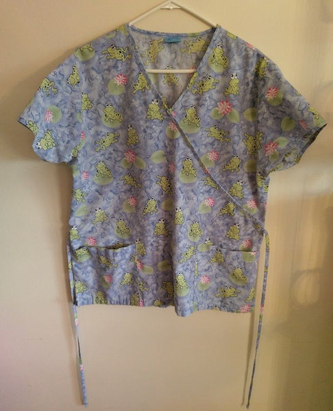 Frogs Lilly Pads Scrub Top Womens 1X Purple Green Pink Nurse Uniform
