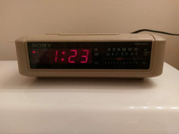 SONY Dream Machine AM FM Digital Alarm Clock Radio ICF-C240