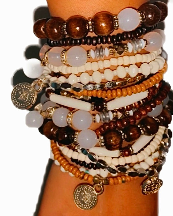 Zailee Bracelet 8 pc Set : Please Note There Are 2 Sets In This Picture {view} Color Options
