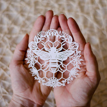 Bee Original Papercut