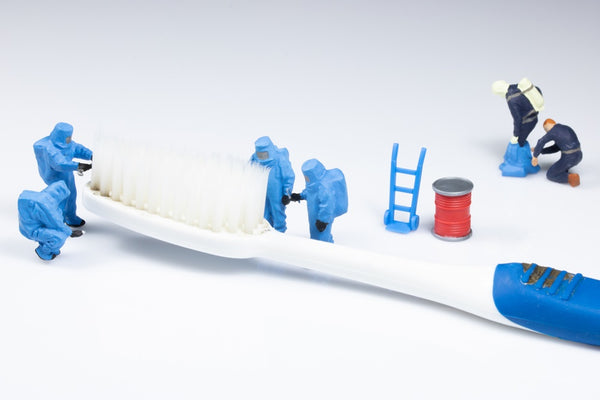 Desinfection of toothbrush. Contamination