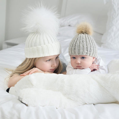 2Pcs/Pair Family Matching Outfits Mother and Kid Baby Child Warm Winter Knit Beanie Fur Pom Hat Crochet Ski Cap