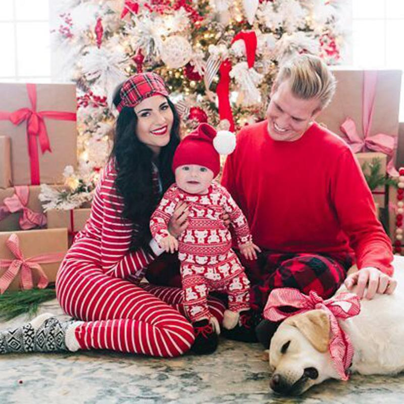 214da4f2b6 2pcs set Family Christmas Pajamas Family Matching Outfits Clothes 95%  Cotton Mother Father Baby Son