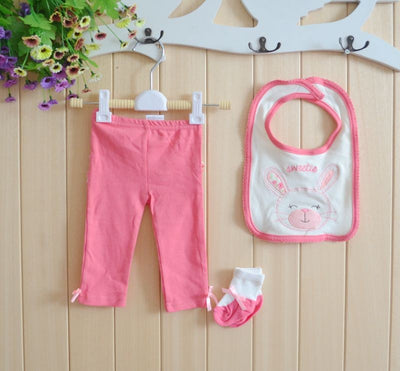 Real 4 Piece Baby Girls Gift Collection baby Clothing Set baby Sweetie Rompers Bodysuits Pants Socks Bibs Set 0-12 Months