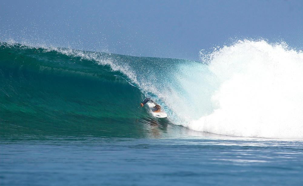 High Waves, Six Senses Laamu Maldives