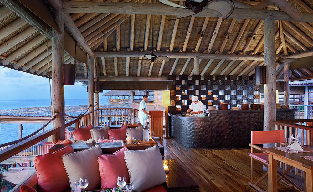 Beaches Restaurant, Six Senses Laamu Maldives