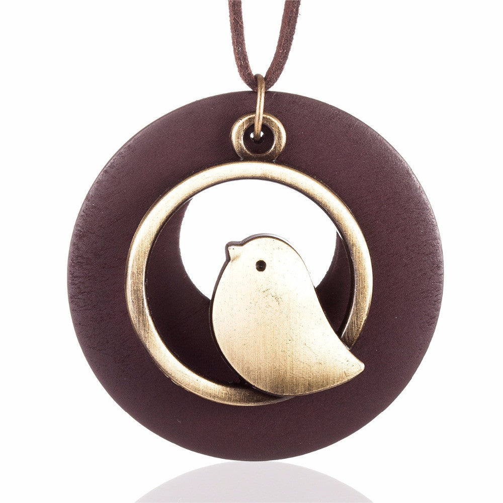 Birdie Pendant Necklace Wood - Rainbow Cabin