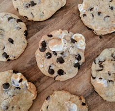 Choc Chip Marshmallow Cookies