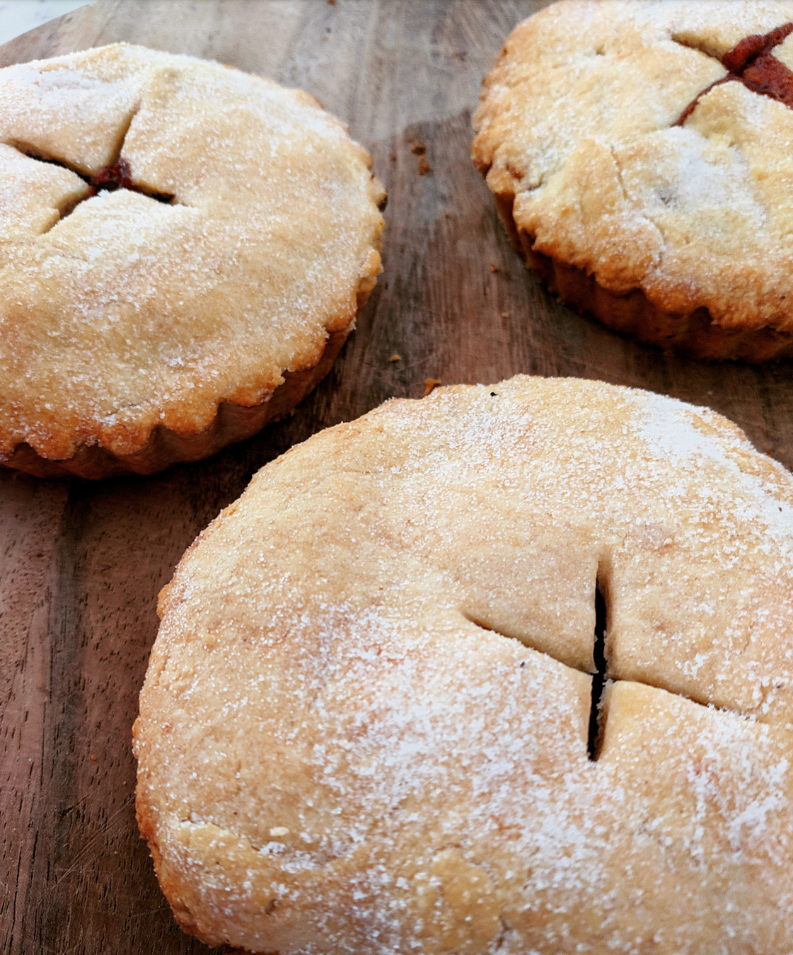 Vegan apple pies