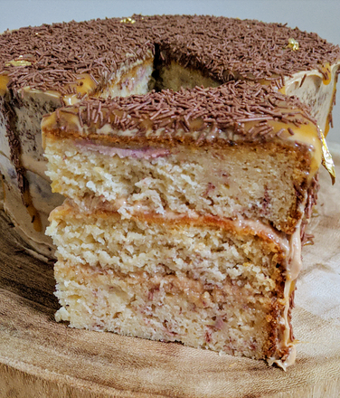 Banana and Caramel Cake