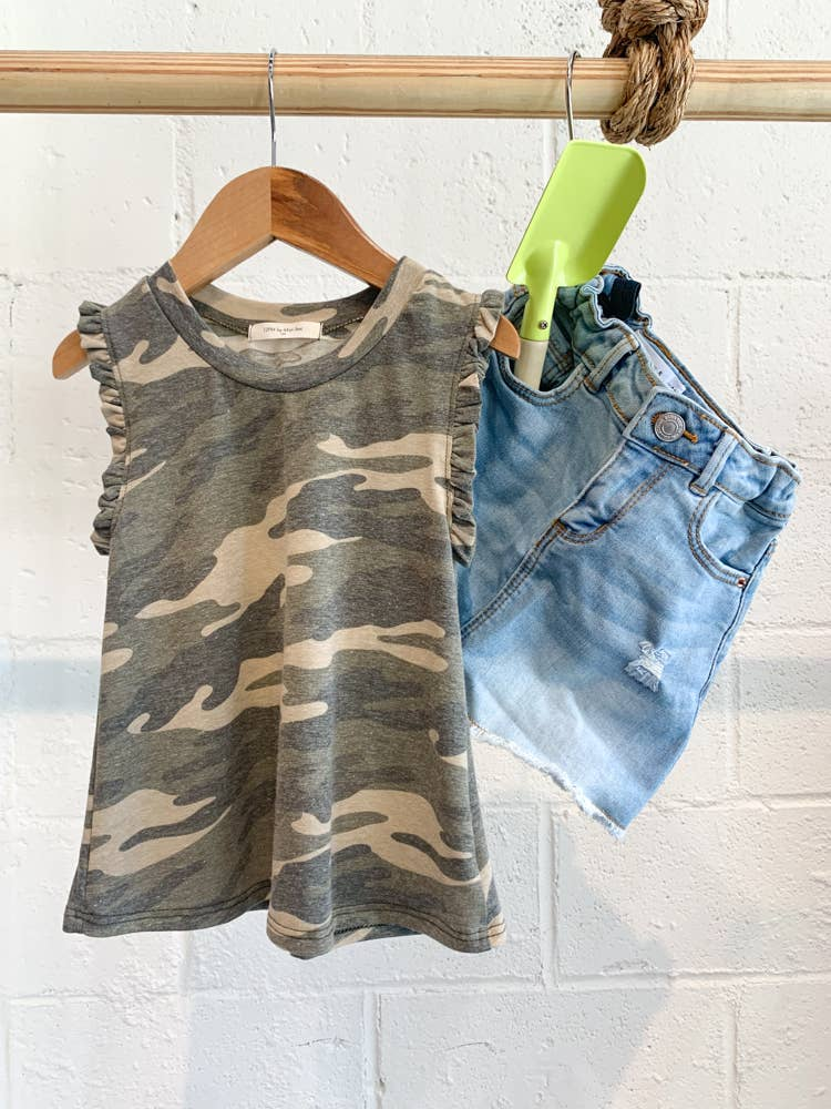GIRLS CAMO RUFFLED TEE