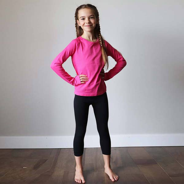 GIRLS SEAMLESS BLACK CAPRI