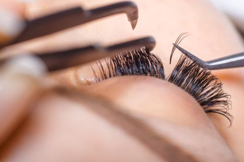 VOLUME- LASH EXTENSIONS TRAINING