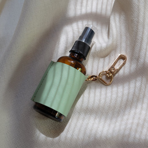 Spray Bottle Holder in Mint