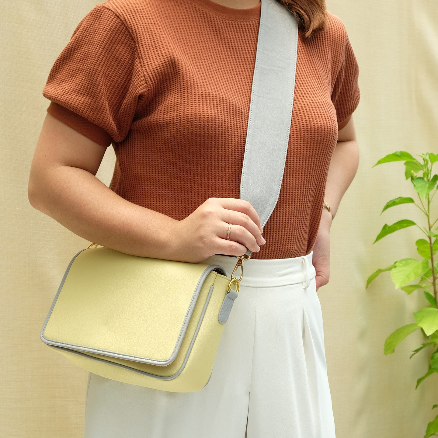 Charlotte Block Sling in Pale Yellow