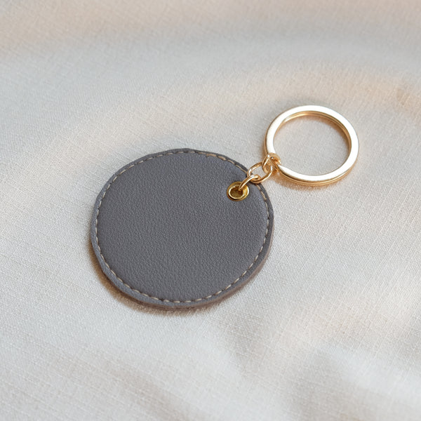 Circular Tag in Gray