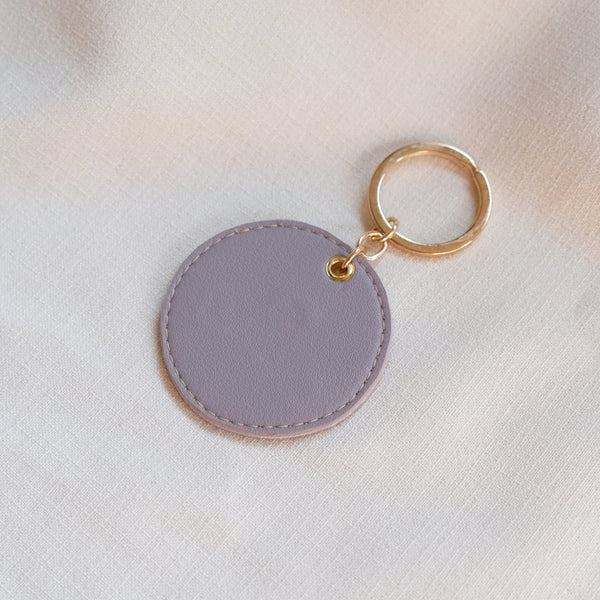 Circular Tag in Lilac Gray