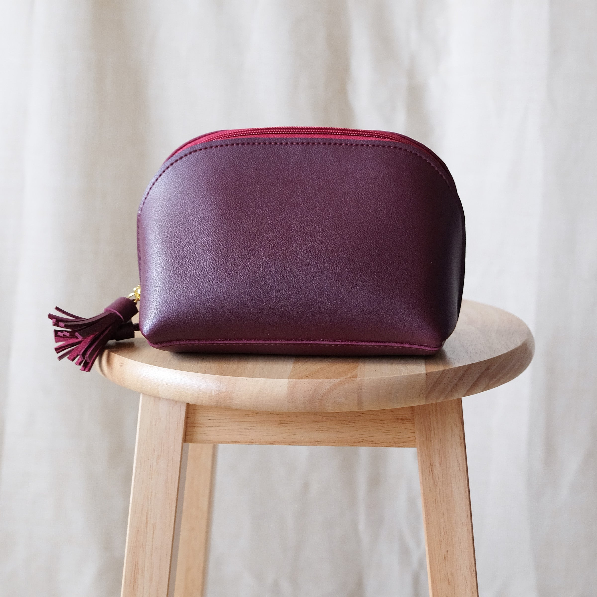 Clamshell Utility Kit in Wine