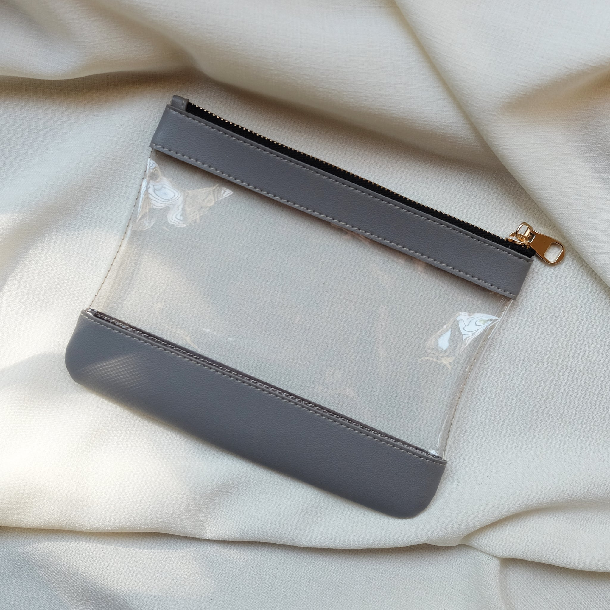 Clarity Pouch in Gray