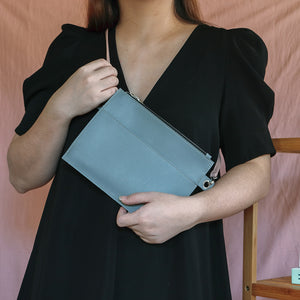 Lemmon Go Sling in Gray