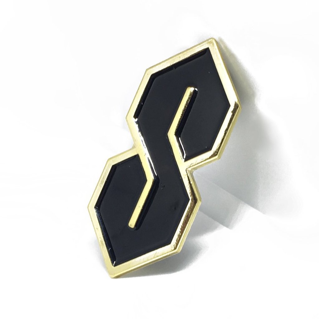 Gold S Thing Pin - Black
