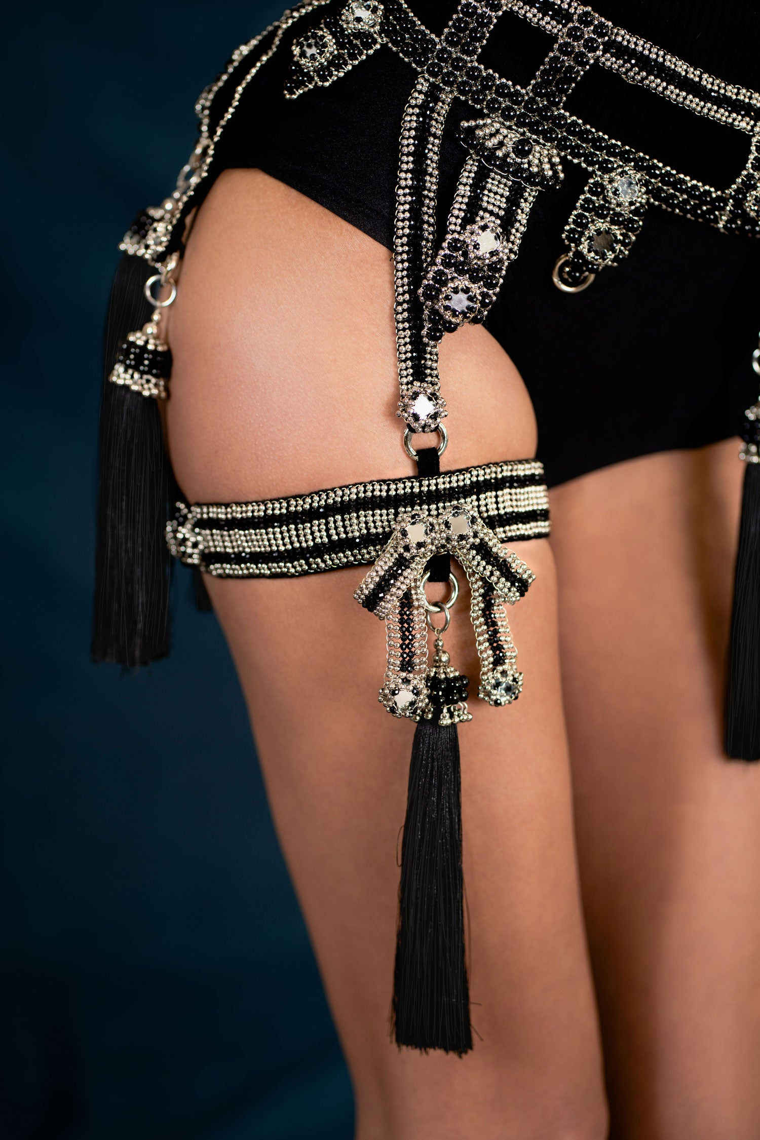 Amaya Modular Garter Band with Removable Tassel
