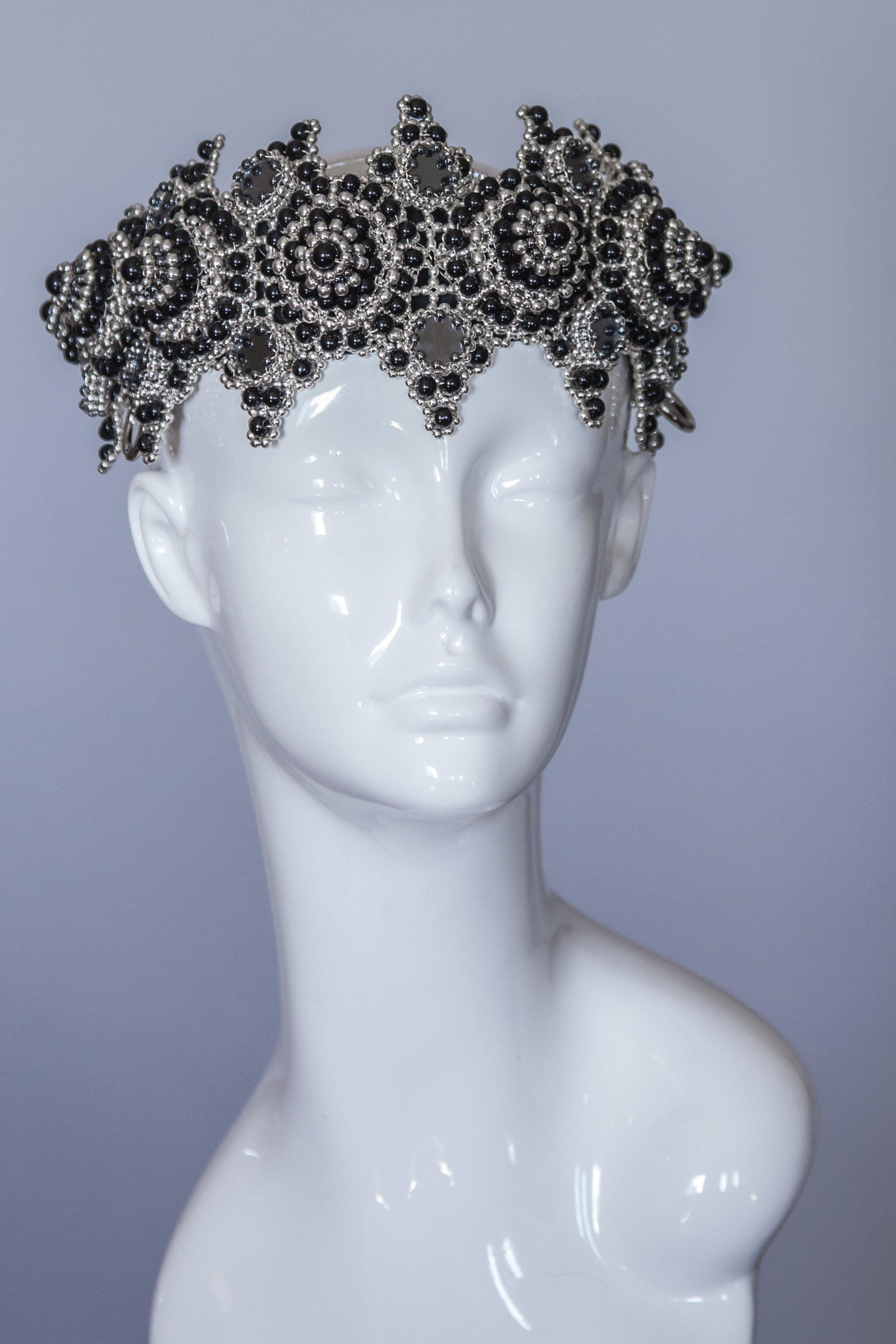 EINGANA Crown with Six Removable Tassels - Onyx