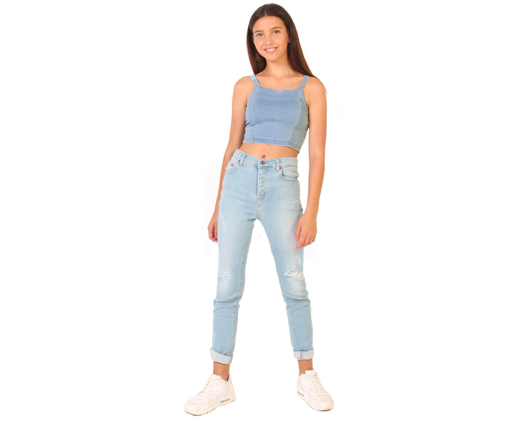 teenage girl jeans in boyfriend girlfriend mom fit