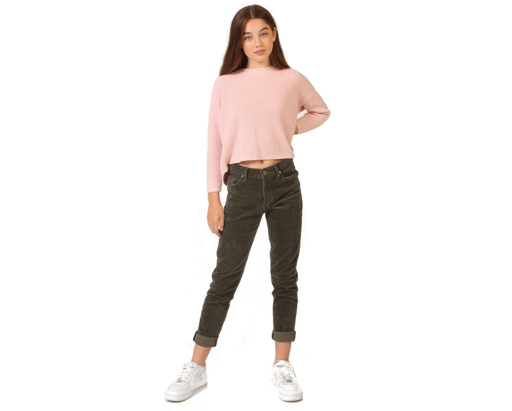 teen girl knitted jumper in pink