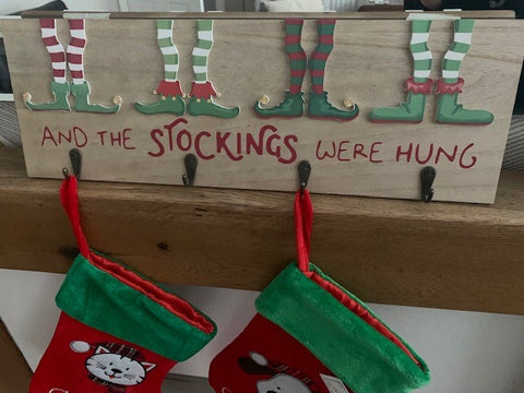 Elf Stocking Peg Plaque